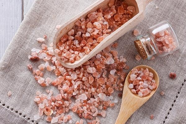 万能ヒマラヤ岩塩の使い方は? 成分と働きについて